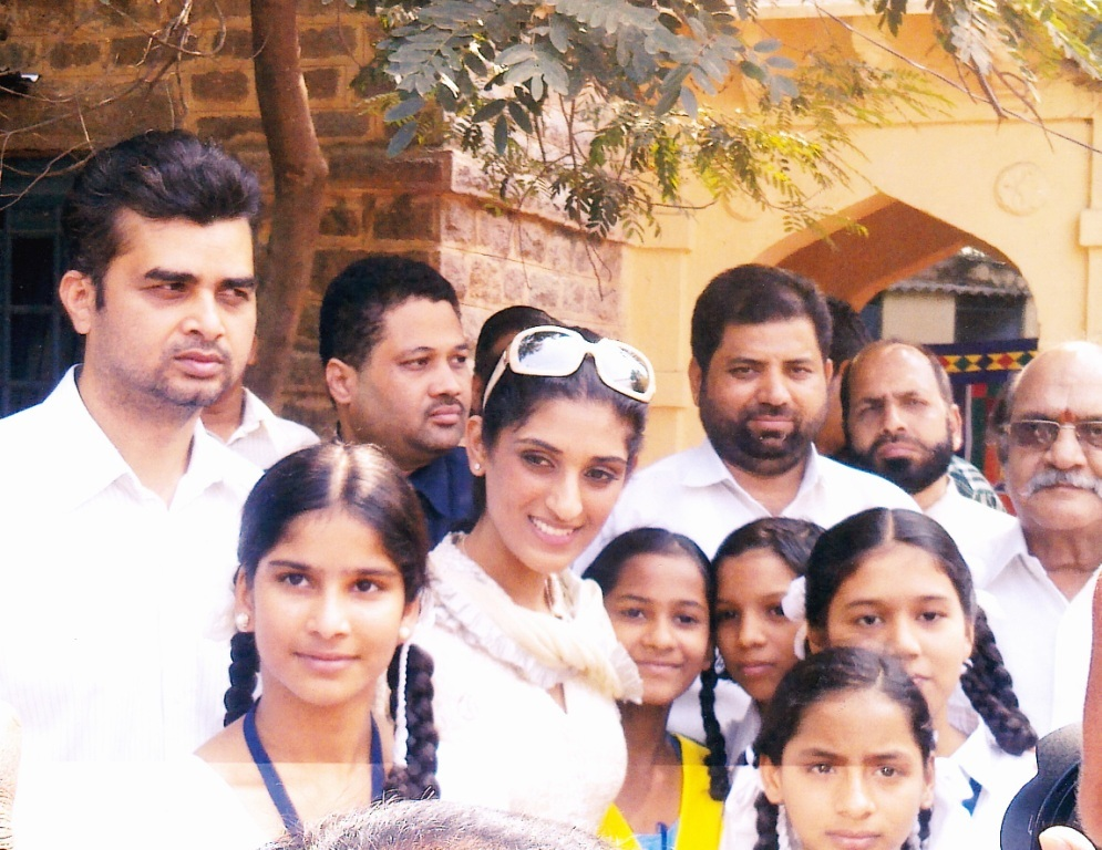 HRO chief Tameem and Miss India universe Vasuki Sunkavalli inaugurates cultural event on children's day