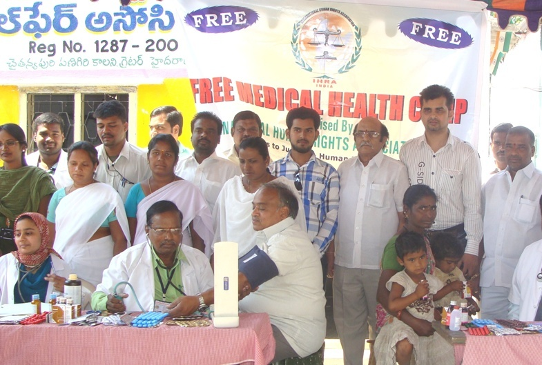 Human Rights Observers bring free mobile medical camp for poor2